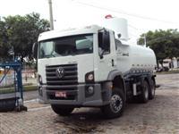 Locação de máquinas e caminhões