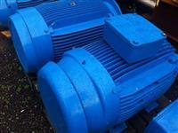 2 motores WEG 150 CV