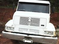 Caminhão Ford F 4000, Vermelho