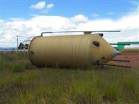 Tanque em Fibra (quebrado) - Lote 49  #3387