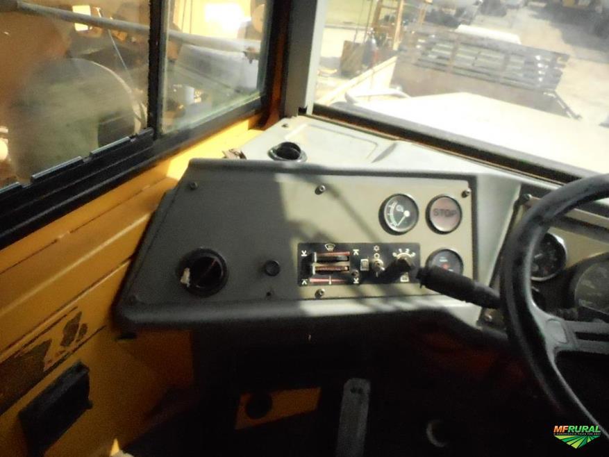 Caminhão Volvo Articulado Volvo A-25C ano 01