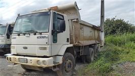 Caminhão Ford C 6332e 6x4 ano 10