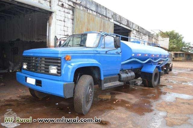 Aluga-se Caminhão Pipa Chevrolet D-12000