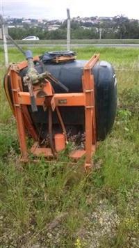 Pulverizador jacto 400 litros