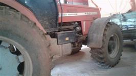 Trator Massey Ferguson 680 4x4 ano 02