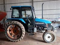 Trator New Holland TL 80 4x2 ano 04