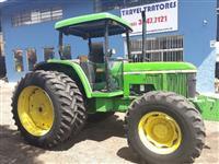 Trator John Deere 6405 4x4 ano 09