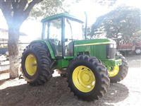 Trator John Deere 6405 4x4 ano 01