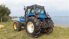 Trator New Holland 4x4 ano 99