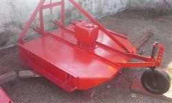 Roçadeira Lavrale para Agrale 4100/4200 com esqui regulavel