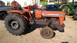 Trator Agrale 4200 4x2 ano 82