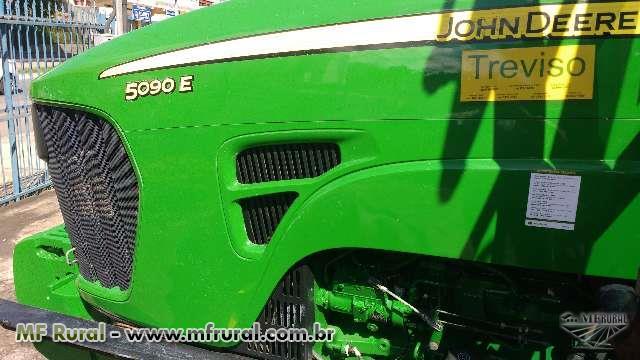 Trator John Deere 5090 E 90 4x4 ano 15