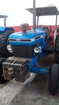 Trator Ford/New Holland 5630 4x2 ano 95