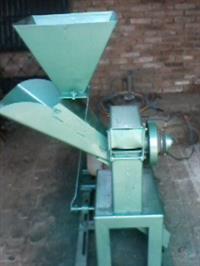 Desintegrador e Picador de  forragem Cremasco DP2