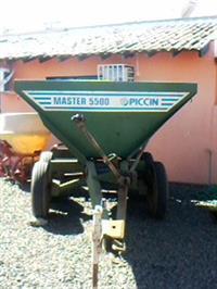 Distribuidor de Fertilizantes Piccin Master 5500