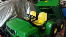 Trator John Deere Trator rebocador Gator Jhon Deere 4x4 ano 08
