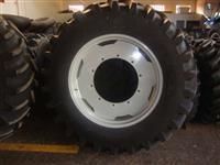 Pneus Pirelli modelo TM 95 medida 20.8-38