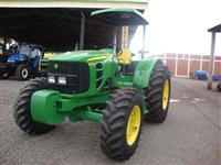 Trator John Deere 6125 E 4x4 ano 14