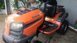 Trator Cortador de Grama Husqvarna LT151 - Com Roçadeira e Carreta