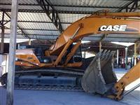 ESCAVADEIRA CASE, MODELO CX350B, ANO 2008, COM APENAS 6300 HORAS TRABALHADAS