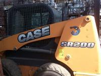 CASE SR200 2011 - ÚNICO DONO - CABINE COM AR - ESTADO DE 0KM COM APENAS 332HS