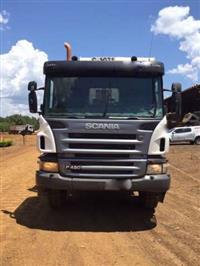 Caminh�o Scania P124 420 8X4 ano 11