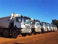 Caminhão Scania P124 420 8X4 ano 11