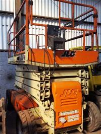 JLG 3369 LE 2012 - EQUIPAMENTO SEMI NOVO COM APENAS 200HS DE USO, ÚNICO DONO, LARGURA 1,75M, 450kg