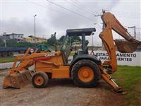 RETRO-ESCAVADEIRA CASE, MODELO 580L 4X2, ANO DE FABRICAÇÃO 2006, COM 11.380HS TRABALHADAS, OPERACION
