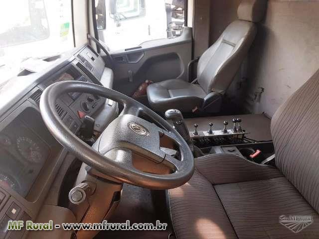 Caminhão Volkswagen (VW) 31.280 CONSTELLATION 6X4 ano 12