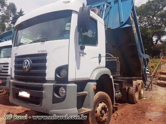 Caminhão Volkswagen (VW) 31320 6x4 ano 09