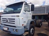 Caminhão Volkswagen (VW) 26.260 6X4 ano 05