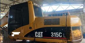 ESCAVADEIRA CAT, MODELO 315CL, ANO DE FABRICAÇÃO 2007, COM 8000 HORAS TRABALHADAS