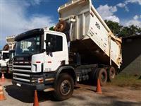 Caminhão Scania P420 6X4 ano 07