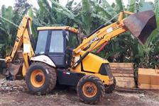 RETROESCAVADEIRA JCB, MODELO 3C 4X4, ANO 2011, COM APROXIMADAMENTE 5000 HORAS TRABALHADAS