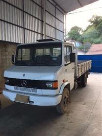 Caminhão Mercedes Benz (MB) 709 ano 96