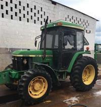 Trator John Deere 5600 4x4 ano 01