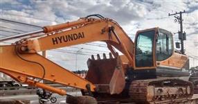 Escavadeira Hyundai R220LC-9S 2014 Entrada mais parcelas