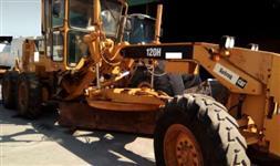 MOTONIVELADORA CATERPILLAR 120H ANO 2009, ÚNICO DONO, NF ORIGEM, OPERACIONAL, TRABALHANDO NORMALMENT