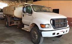 Caminhão Ford F12000 ano 99