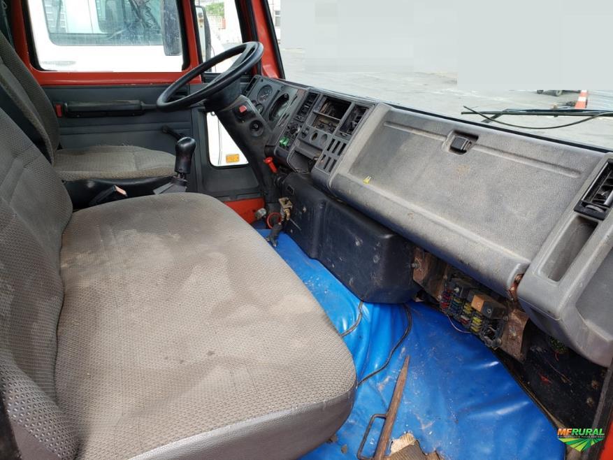 Caminhão Ford CARGO 1417 4X2 ano 01