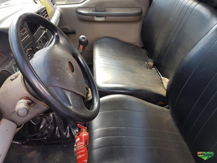 Caminhão Ford F12.000 ano 99