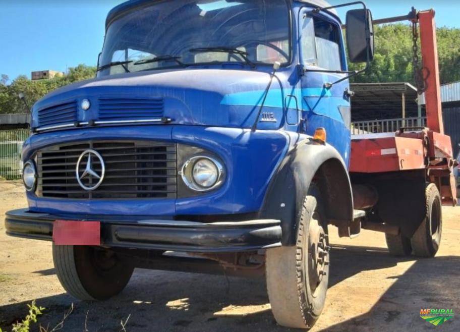 Caminhão Mercedes Benz (MB) 1113 ano 75