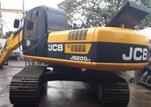 ESCAVADEIRA HIDRÁULICA JCB JS200LC ANO 2011 COM 8.500 HORAS, TOTALMENTE OPERACIONAL