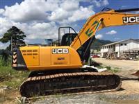 ESCAVADEIRA JCB JS 200 LC ANO 2014
