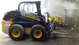 MINE CARREGADEIRA NEW HOLLAND E 218 2014