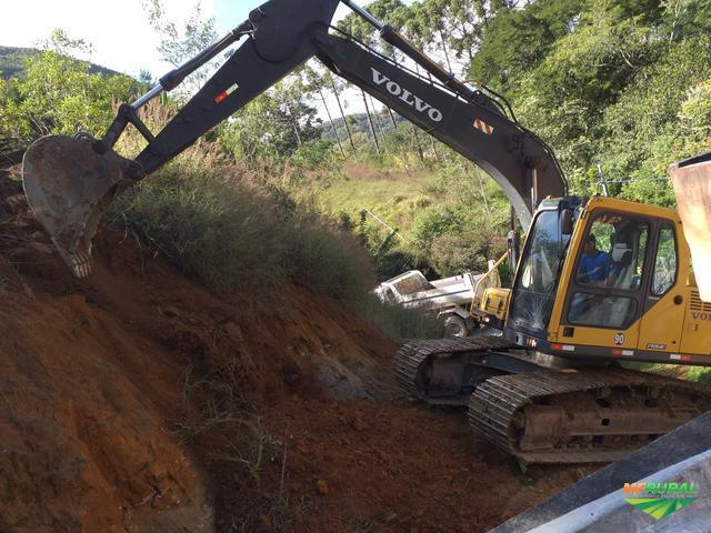 ESCAVADEIRA MARCA VOLVO MODELO 140 BLCM 2012