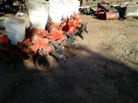 Plantadeira Jumil 4 linha modelo 20x90 seminova