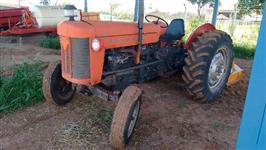 Trator Massey Ferguson 65 X 4 Marchas, Eixo Quadrado ano 1975 4x2 ano 75