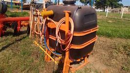 Pulverizador Jacto 600 litros com bomba, revisado e pintado.